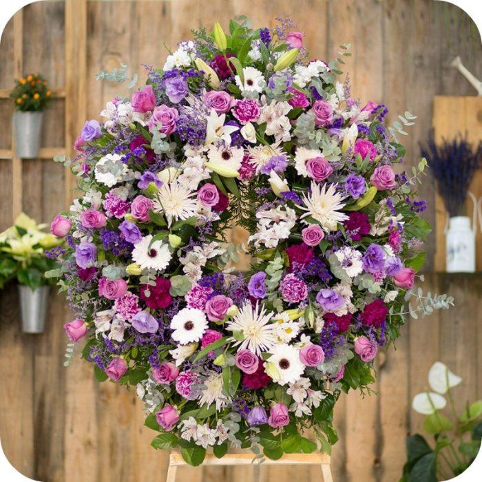 coronas de flores funerarias