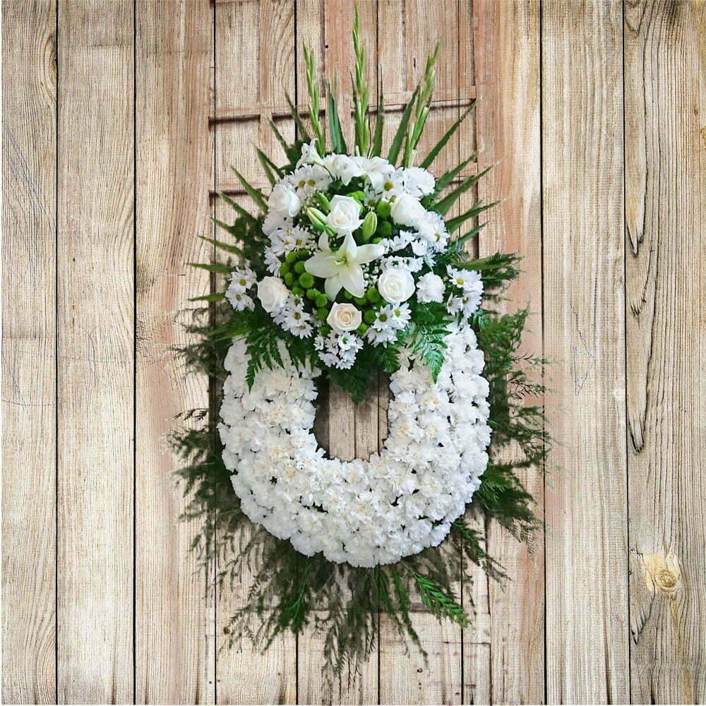 Corona De Flores Clásica Blanca